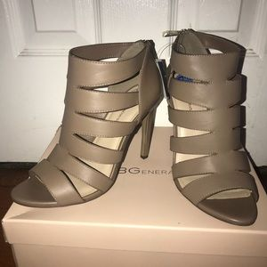 BCBGeneration taupe heels